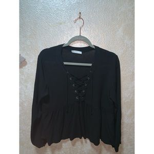Lush black Crisscross blouse!
